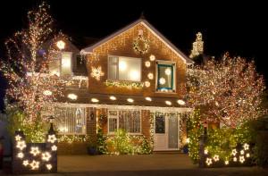 chrismtas lights outside house